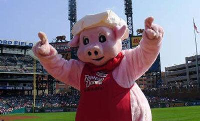 Our Community: Employment, News, Donations & Events | Famous Dave's - community-baseball-pig